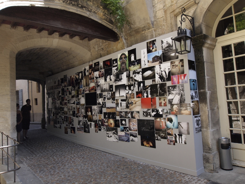 Murmure d'images Olympus Arles 2010 - production photo Mur-vue-d-ensemble_5