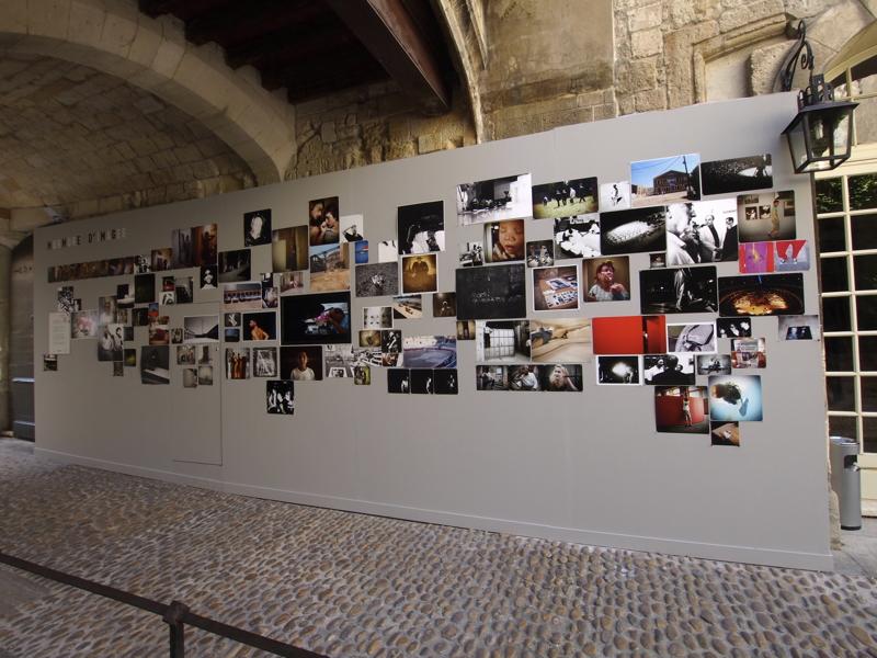 Murmure d'images Olympus Arles 2010 - production photo Mur-vue-d-ensemble_4