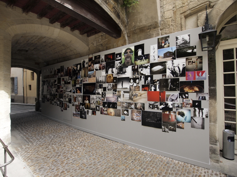 Murmure d'images Olympus Arles 2010 - production photo Mur-vue-d-ensemble_2
